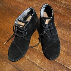 7 1/2 Tom's Ankle Booties